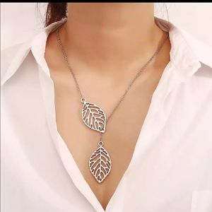 Double Leaf Necklace in Silver